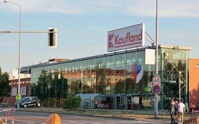 Kaufland začne prodávat antigenní testy, koupit si budeš moct dva druhy samotestů.