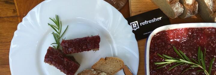 REFRESHER recept: Lehký letní oběd aneb paštika s bylinkami a brusinkami