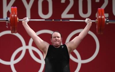 Transgender vzpěračka Laurel Hubbard po olympijském neúspěchu končí se soutěžením.