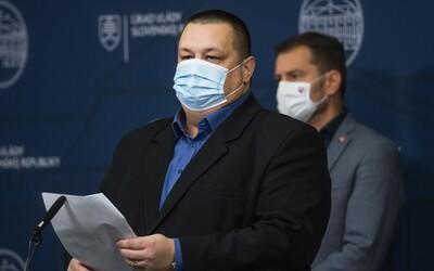 Hlavný hygienik Ján Mikas tvrdí, že vyjadrenia Igora Matoviča sú neadekvátne. Zastal sa šéfky ŠÚKL-u.