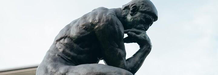 Spor o neviditelnou sochu. Dva umělci se hádají, kdo přišel s nápadem první
