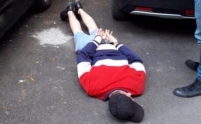 28-ročný Slovák ukradol auto a spôsobil škodu 10-tisíc eur. Chytili ho, keď ho chcel predať za 500 €