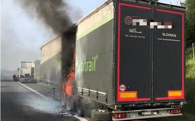 Aktuálne: Na diaľnici do Bratislavy horí kamión.
