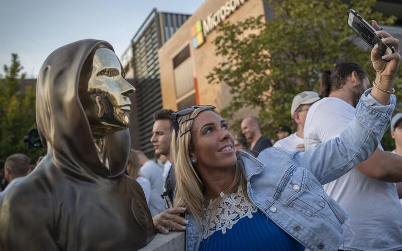 V Maďarsku odhalili zrejme vôbec prvú sochu tvorcu bitcoinu so pseudonymom Satoši Nakamoto.
