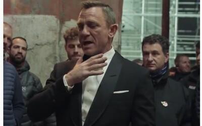 Daniel Craig sa v slzách lúčil so štábom Jamesa Bonda. V posledný deň natáčania No Time to Die ďakoval kolegom.