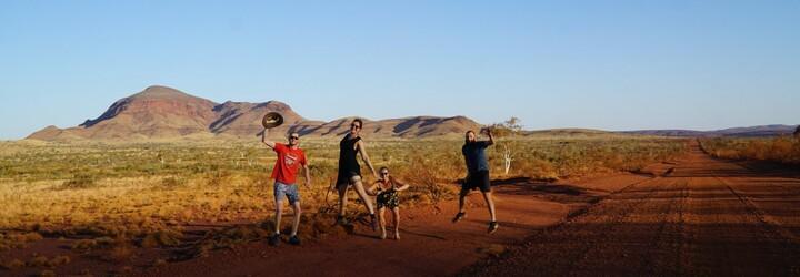 Stretli sme druhého najjedovatejšieho hada a boli v kráteri, kde sa odohrával horor. Ako si predstavuješ výlet v Austrálii ty?