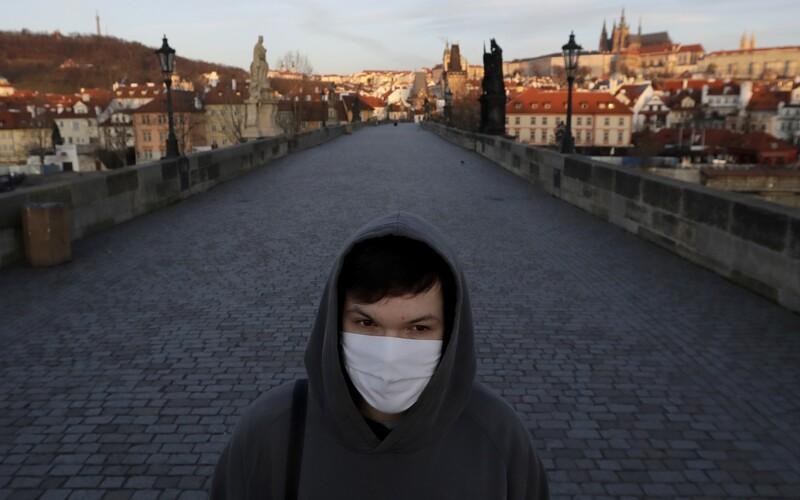 Každý pátý HIV pozitivní v Česku o své infekci neví.