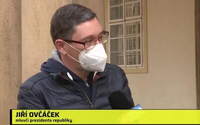 """VIDEO: """"Nemám vám co říci,"""" opakoval jako kolovrátek Ovčáček. Od prezidenta prý nemá pokyn, aby se k čemukoliv vyjadřoval."""