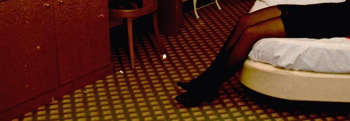 Agentka, vrahyňa či luxusná prostitútka? Teórií o identite Jennifer Fairgate je viac