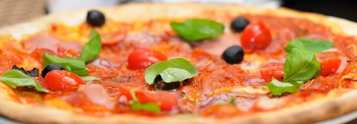 Taliani sú na svoju pizzu takí hrdí, že zozbierali podpisy, aby sa dostala na zoznam UNESCO. Chcú ju ochrániť pred fastfoodovými gigantmi