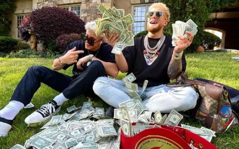 Jake Paul se chvástá nehorázným výdělkem ze svého boxerského duelu. Zápas vygeneroval 75 milionů dolarů.