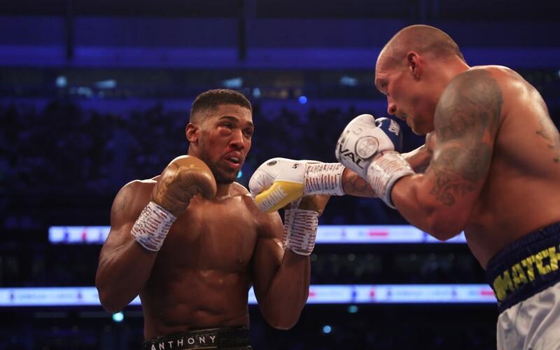 Kráľ boxu Anthony Joshua padol, Ukrajinec Usyk ho obral o 4 opasky.
