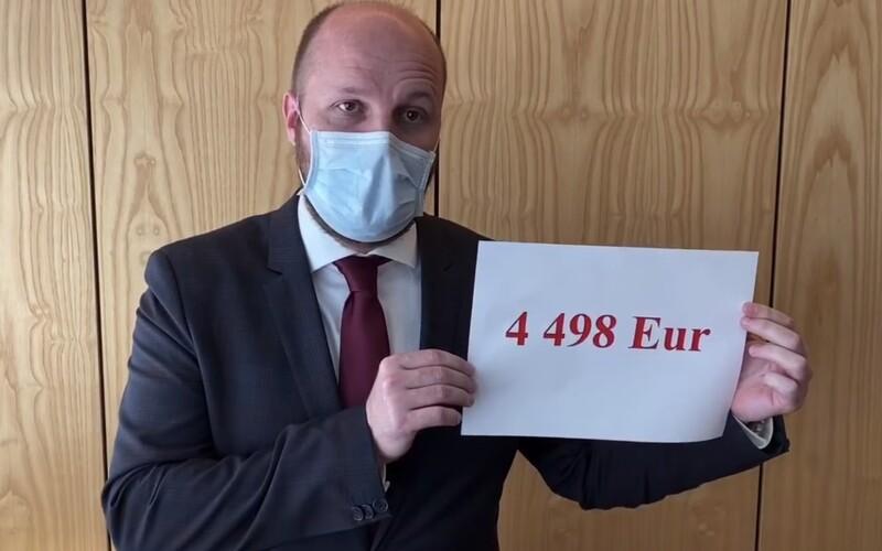 Blízky človek predsedu SNS Andreja Danka mal na ministerstve obrany šoféra, ktorý zarábal 4498 eur.