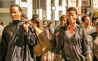 3. séria Fear the Walking Dead láka na krviprelievanie zombíkov a súboje s civilistami proti armáde
