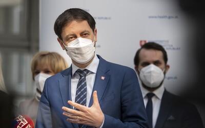 Od 19. apríla sa zrejme otvoria všetky prevádzky, kde si netreba dávať dole respirátor, potvrdil premiér Heger.