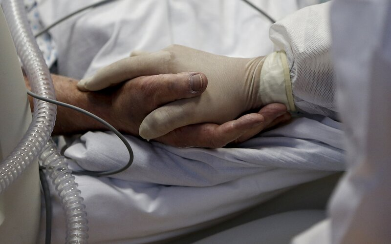 Česko je v počtu obětí covidu-19 na 100 000 obyvatel druhé nejhorší na světě.