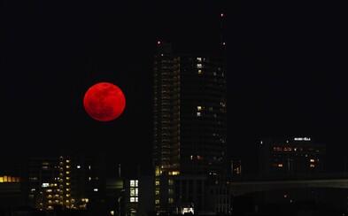 31. január prinesie úžasné zatmenie s krvavočerveným Mesiacom. Šarlátový Blue Moon možno vidieť len raz za 151 rokov