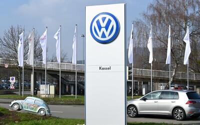 Manažer Volkswagenu si nahrál tajnou schůzku vedení firmy. Policie později našla jeho mrtvolu v ohořelém autě.
