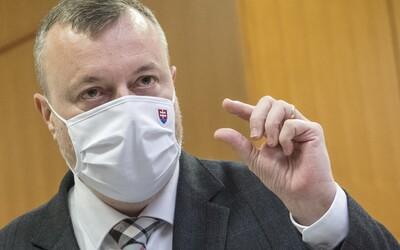 24 miliónov z pandemickej pomoci išlo schránkovým firmám bez zamestnancov, dane neplatili. Minister ukázal na 4 podozrivé osoby.