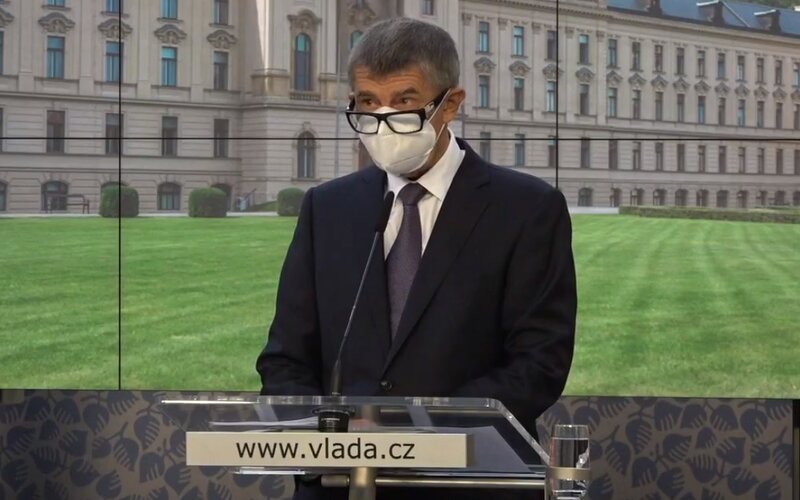 Adam Vojtěch neunesl tlak opozice, novinářů i vládních členů, řekl Babiš na tiskové konferenci. Prymula by měl úřadovat od zítřka.