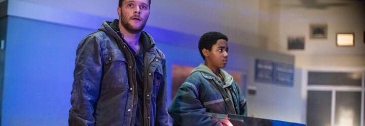 Bratia nájdu v sľubne pôsobiacom sci-fi mimozemskú zbraň a bránia sa ňou proti gangstrom na čele s Jamesom Francom