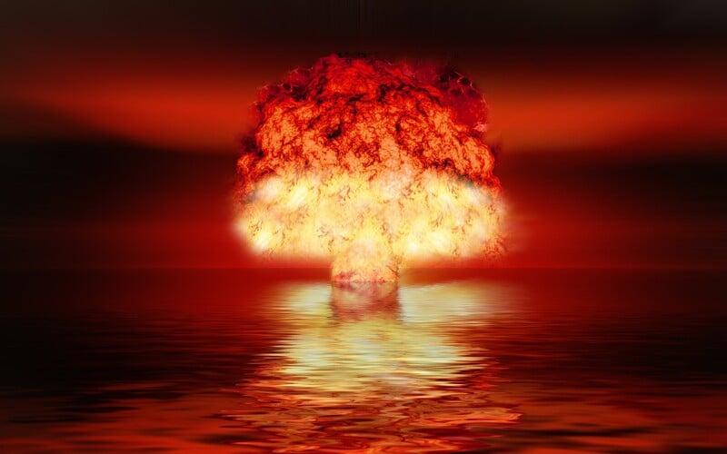 Jak by vypadal svět po nukleární válce? Zničená ozónová vrstva, vyhubení ekosystémů či nárůst případů rakoviny.