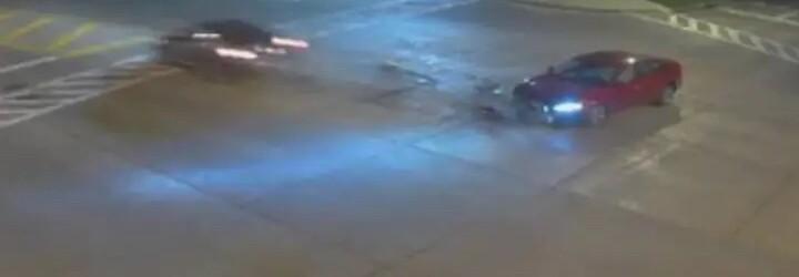 Řidička v rychlosti 190 km/h havarovala, protože chtěla, aby řízení jejího auta převzal Bůh