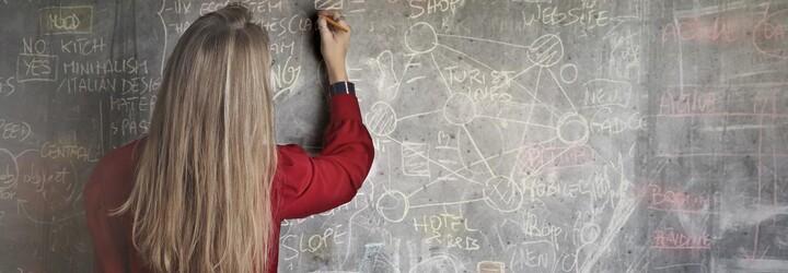 Americká učitelka si natáčela sex se svým 15letým studentem. Nyní je obviněná a těhotná