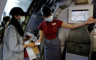 Letiště na Tchaj-wanu nabízí bizarní zážitek: Můžeš s kufrem projít kontrolou a nasednout do letadla. Nikam však neodletíš.