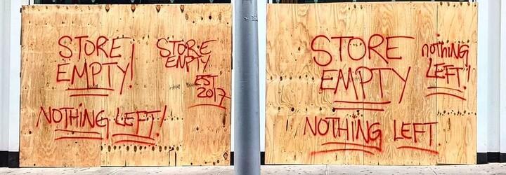 Zloděje, kteří rabovali během protestů v USA, hledají majitelé obchodů přes bazary a resell platformy