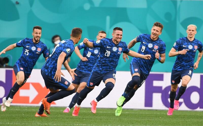 Slovenskí futbalisti zvíťazili v prvom zápase na Eure 2020 proti Poľsku.
