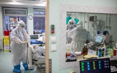 Na ventiláciu už museli pripojiť 33-ročné ženy. Na Slovensku končia vo vážnom stave s Covid-19 čoraz mladší pacienti.