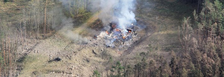 FOTO: Výbuch ve Vrběticích: Explodovaly tuny munice, dva lidé zemřeli
