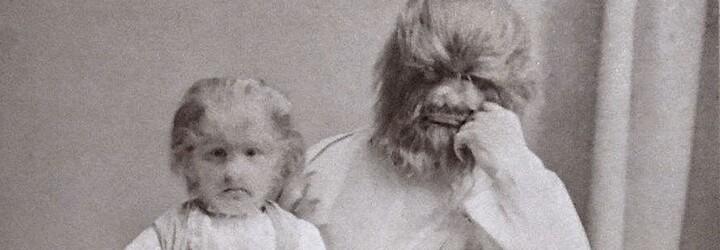 """Dvojice ruských """"potomků medvěda"""": Otec se upil k smrti, jeho syn patřil mezi nejbohatší vystupující"""