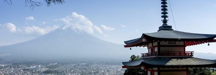 Japonci strhli část platu, protože šel na oběd o 3 minuty dřív. Město svolalo tiskovku, aby se za jeho konání omluvilo