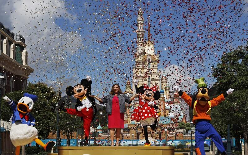 Disney propustilo 28 tisíc zaměstnanců svých zábavních parků.