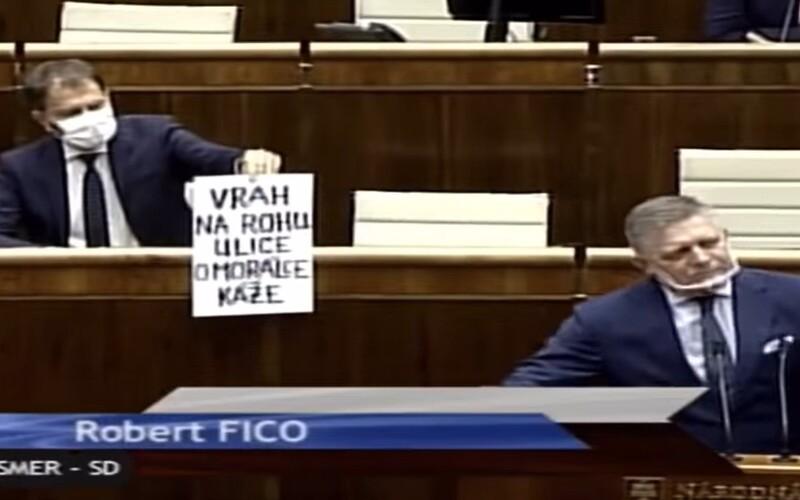 Lepšie byť mafián ako plagiátor, tvrdí Fico. Matovič ho označil za vraha, ktorý káže o morálke.
