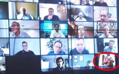 Do videohovoru brazilského prezidenta se omylem připojil nahý muž. Šlo o vlivného podnikatele.