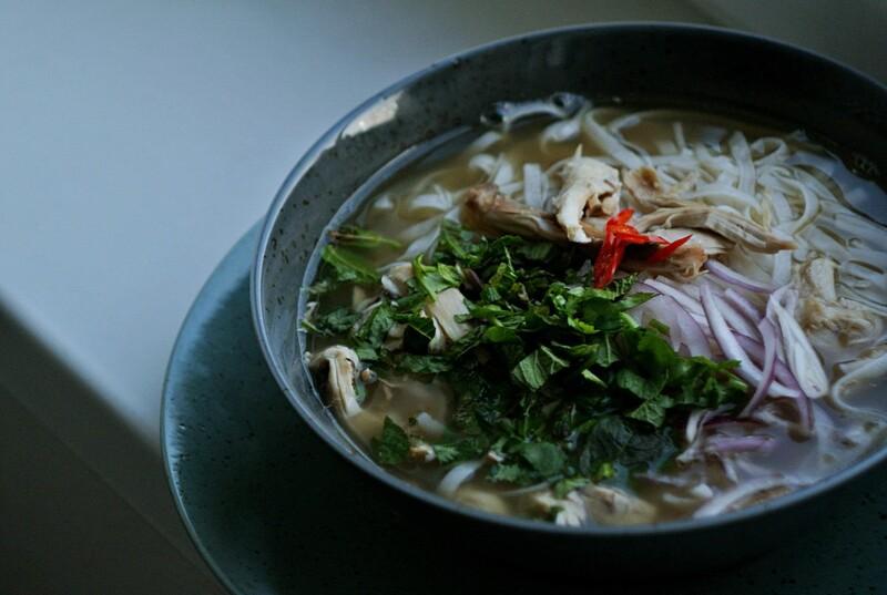 Pre ktorú krajinu je charakteristický pokrm nazývaný pho?
