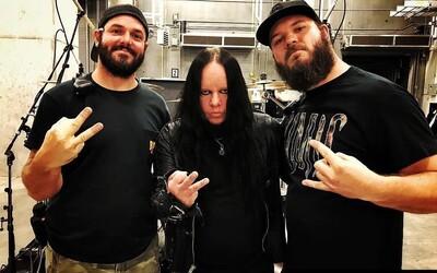 Zakladajúci člen Slipknotu Joey Jordison zomrel vo veku 46 rokov. Kapela reagovala na jeho smrť nastavením čiernej profilovky.