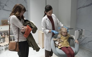 4. séria Black Mirror prichádza v krátkom traileri pre epizódu od Jodie Foster s heslom, že kľúčom k dobrému rodičovstvu je kontrola