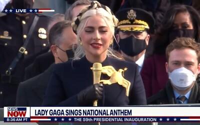 VIDEO: Podívej se, jak Lady Gaga zazpívala hymnu na inauguraci nového prezidenta USA.