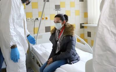V Česku zemřeli další 2 lidé nakažení koronavirem.