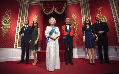 Voskové figuríny prince Harryho a Meghan přesunuli mezi celebrity, prý to odráží jejich odchod z královské rodiny.
