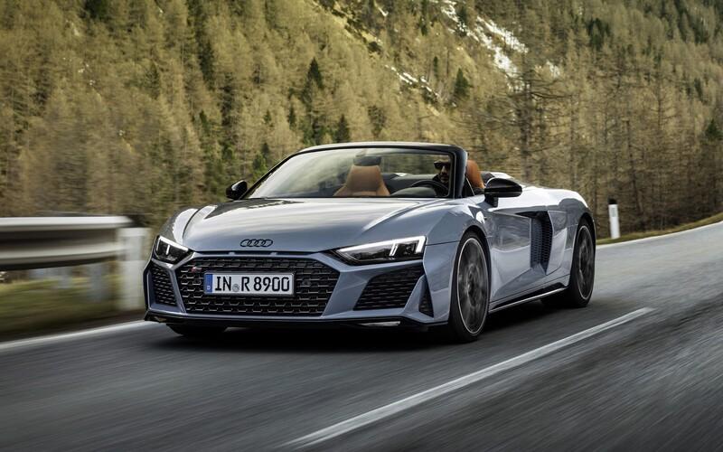Nové Audi R8 možná přece jen přijde, díky hybridizaci motoru V8 přitom může mít až kolem 700 koní.