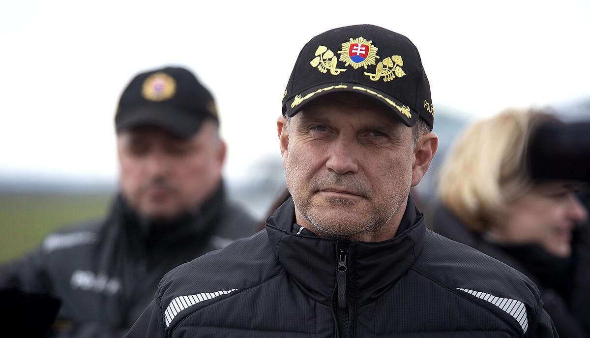 Bývalý slovenský policejní prezident Lučanský se pokusil o sebevraždu, chtěl se oběsit v cele. Jeho stav je kritický