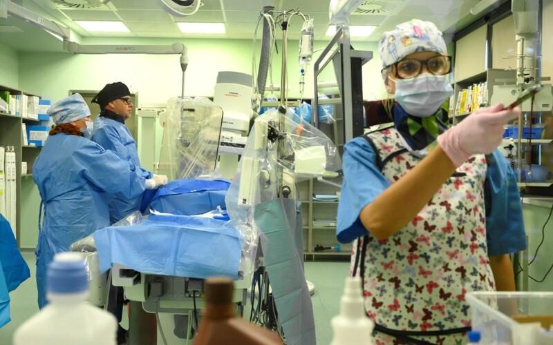 Tyto tři nemocnice ze Středočeského kraje vyhlásily stav hromadného postižení osob.