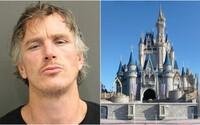 42letého muže zatkli v Disney Worldu, kde chtěl strávit karanténu. Prý se tam cítil jako v tropickém ráji