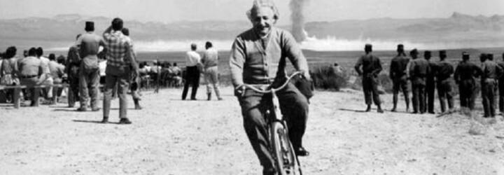 Vysmátý Einstein při výbuchu atomové bomby či fotografie duchů. Tyto historické záběry byly podvod