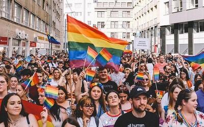 Dnes vyvrcholí online Dúhový Pride Bratislava, ktorý podporili známi hudobníci, ombudsmanka aj veľvyslanectvá.